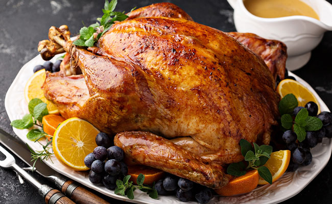 Saiba temperar frango para assar