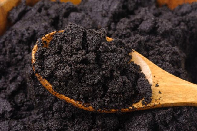 borra de café no combate à celulite