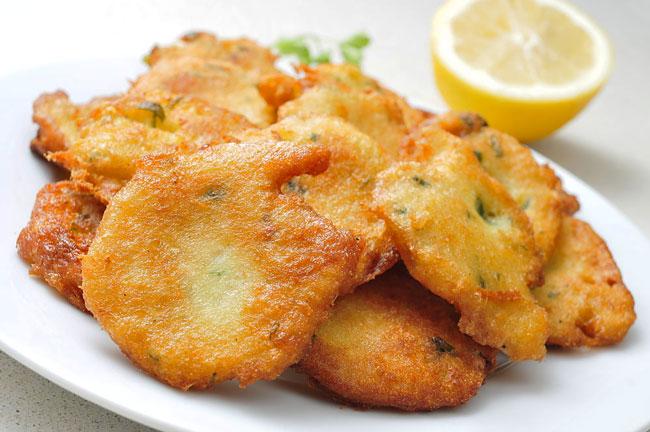 Faça as melhores pataniscas de bacalhau tradicionais. Que pitéu!