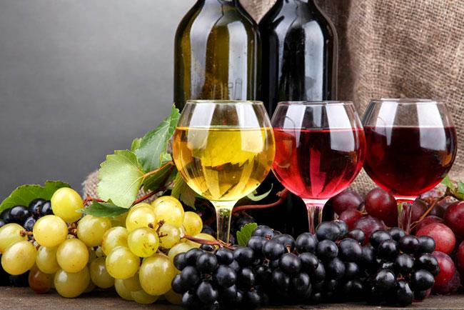 Tinto ou branco? Saiba escolher o vinho certo para cada prato!