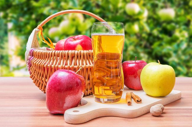 Vinagre de maçã com água e bicarbonato de sódio