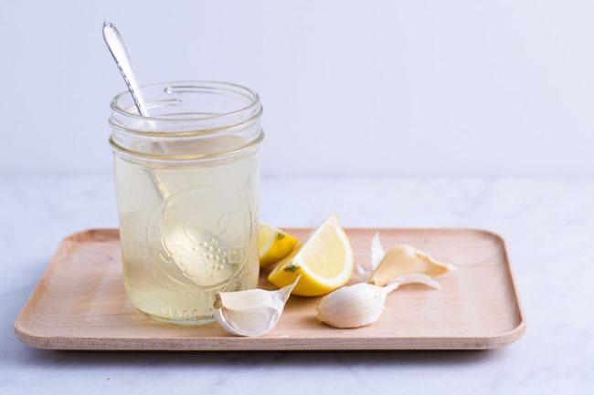 Limão e alho é um remédio caseiro
