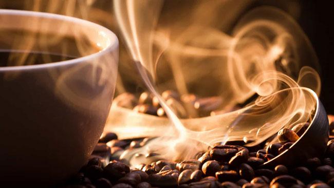 principais benefícios e malefícios do café