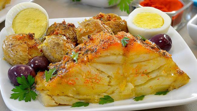 Receita de bacalhau assado no forno com batatas