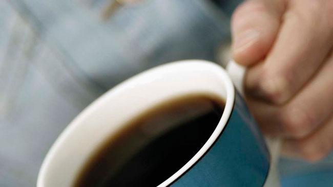 beber café em excesso