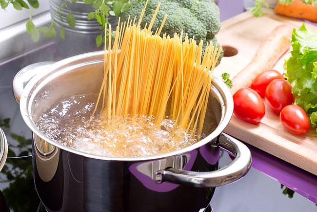 Como cozinhar massa na perfeição