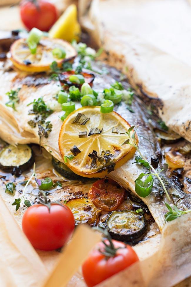 Aprenda a preparar o peixe assado no forno
