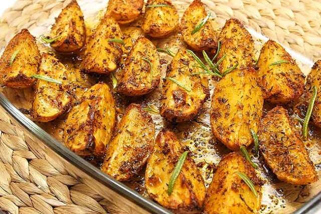 Batatas assadas suculentas