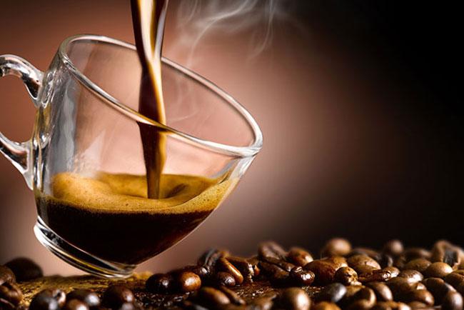 chávena de café para alterar o organismo