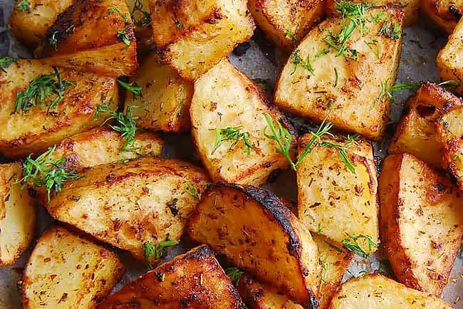 Batatas assadas muito suculentas