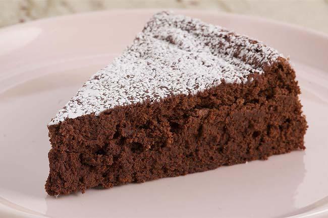 bolo de chocolate caseiro húmido