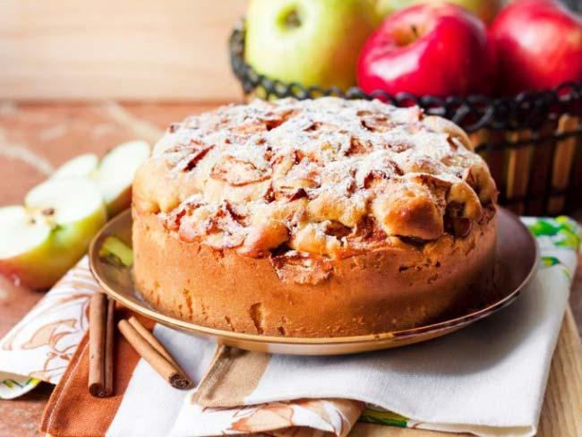 bolo de maçã com leite condensado
