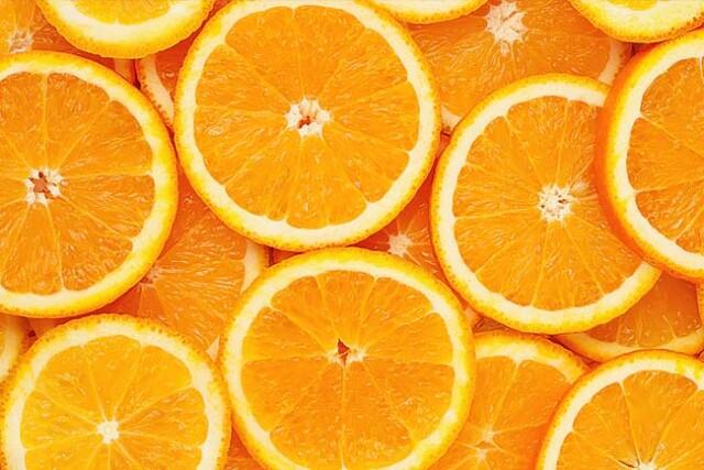 comer laranja