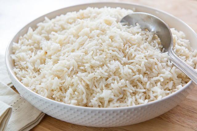 Faça arroz branco