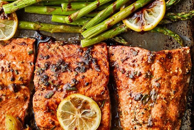 salmão assado ou frito