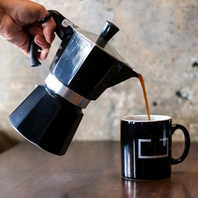 o café perfeito na cafeteira italiana