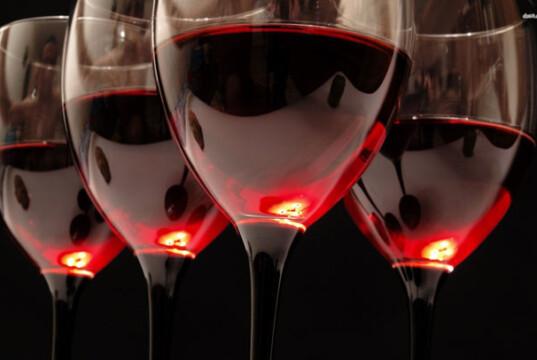beber vinho tinto
