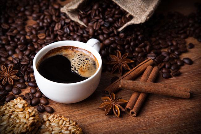 Beba café com canela
