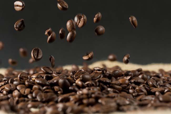 café ajuda o cabelo a crescer