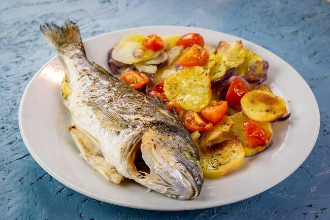 Faça peixe assado no forno como nos restaurantes