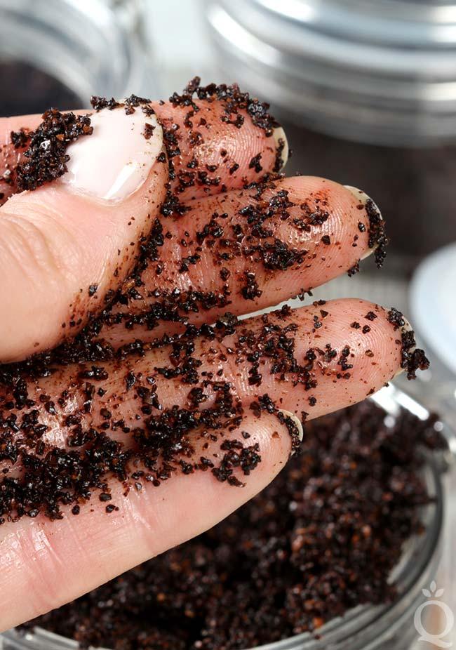 usar café na pele