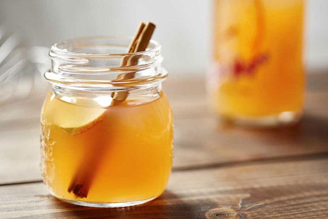 vinagre de maçã com água e mel