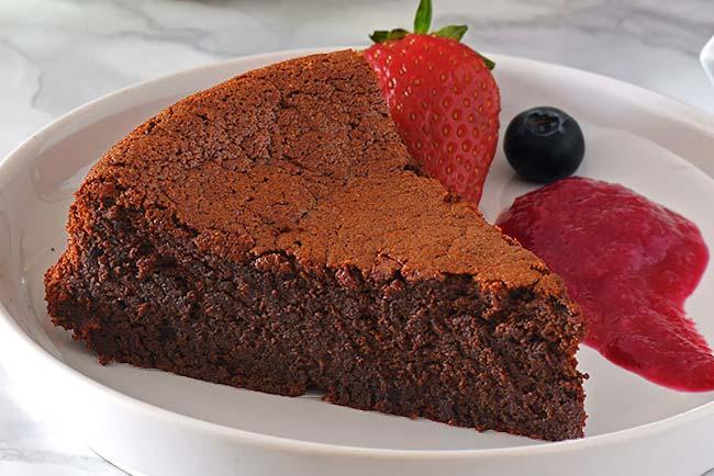 Receita de Bolo de chocolate com 3 ingredientes