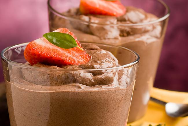mousse de chocolate caseira e fácil