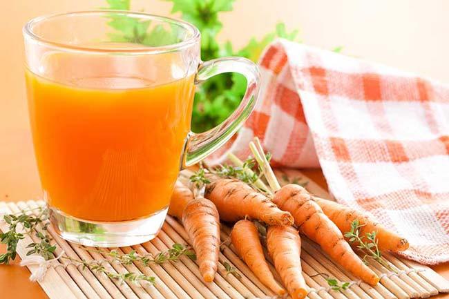 Sumo de cenoura e gengibre