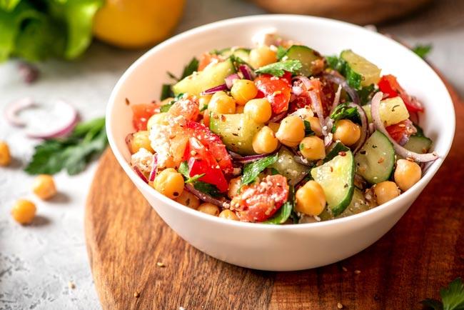 dicas para melhorar saladas frias