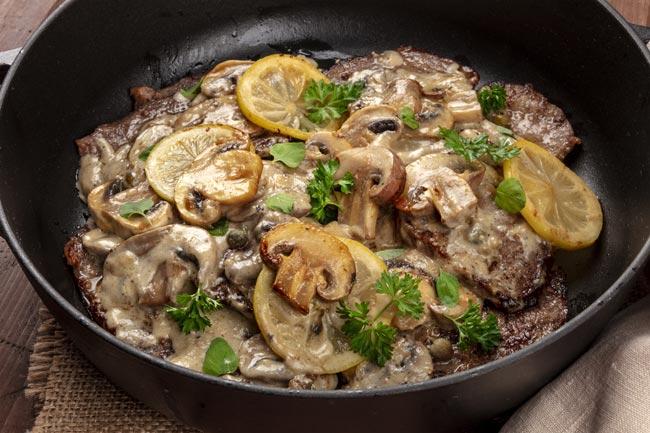 bife com cogumelos