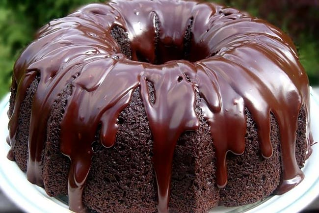 bolo de chocolate caseiro e húmido