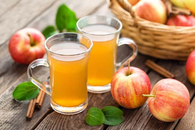 Veja como ela usa vinagre de maçã na sua rotina!