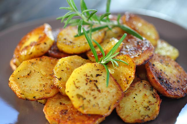 Batata assada suculenta e simples