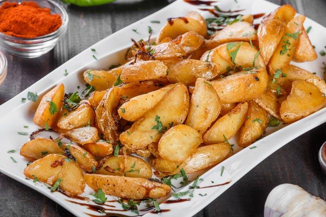 batatas assadas com orégãos