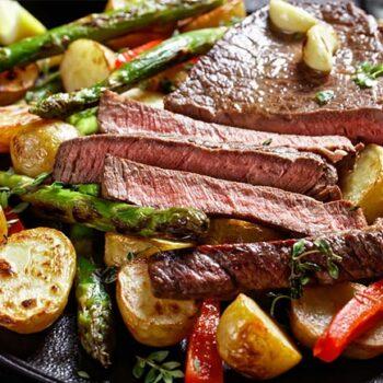 Suculenta carne assada no forno