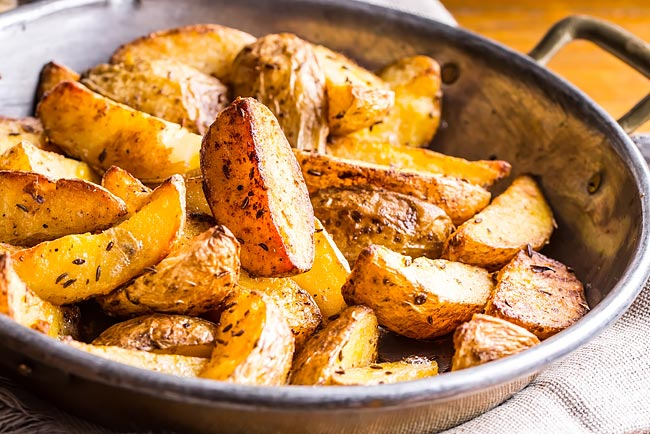 Perfeitas e suculentas batatas assadas