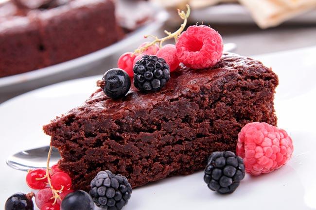 bolo de chocolate molhadinho e fofo