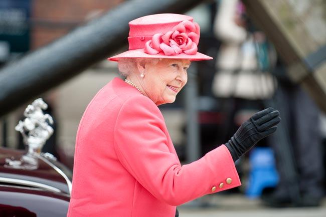 coisas que a rainha Isabel II nunca fez