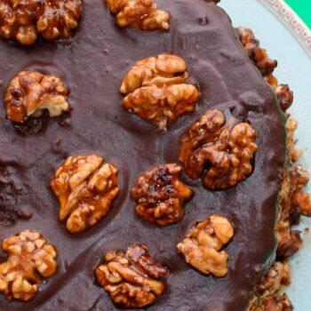 bolo chocolate molhadinho com nozes