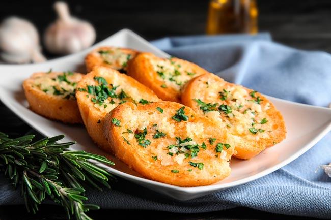 pão de alho no forno