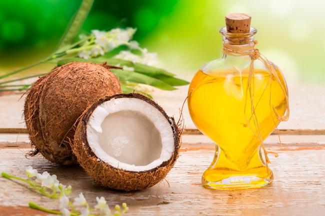 óleo de coco ajuda a perder gordura
