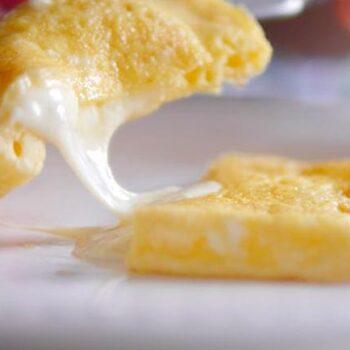 Como fazer a melhor omelete de sempre. Tome nota!